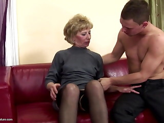 Muted matured old lady ass fucked and pissed on