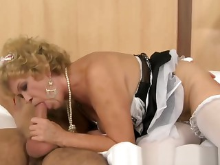 Granny in sexy outfit blows and suck in bedroom