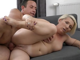 A granny with a fat ass is bringing about a blow job involving a sexy manner