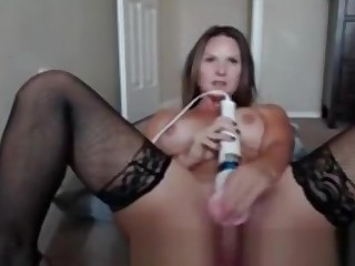 Amateur Babe Dildoing And Fingering Her Pussy