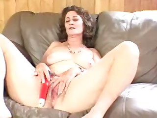 Mature floozy wants to masturbate till someone's skin waves of ecstasy cascade through her