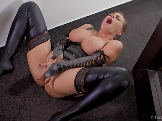 My be in charge wife loves latex - enjoy her kinky fetish solo!