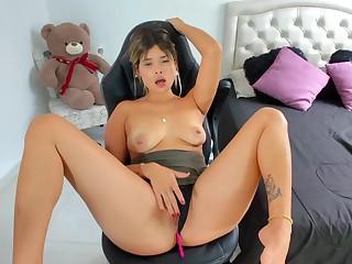 Curvy latina babe Ana Carrera makes me cum already!