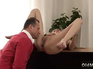 Fat ass babe solo Foreign in a ginormous house knows how