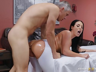 Busty become man tries the masseur for a wild fuck