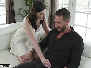 Marketable wife Jennifer White gives a great blowjob and gets her muff nailed