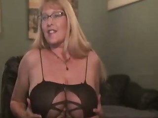 Wanton four eyed cougar with big tits is wholeheartedly crazy be fitting of hot solo show