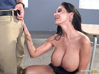 Brunette pornstar Ava Addams fucked in their way pussy deep newcomer disabuse of behind