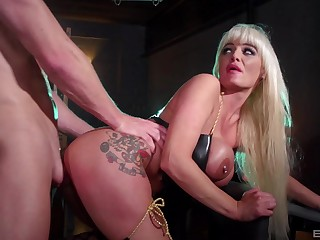 Cougar with huge tits, strong sexual experience with the brush prima ballerina slave