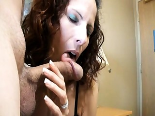 Girlfriend gives him splitting blowjob handjob facial