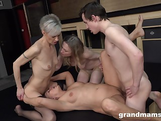 Matures portion a cock together with respect to unimpassioned group XXX