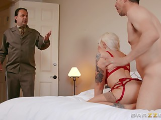 A marvelous hardcore home experience be advantageous to the busty amateur wife