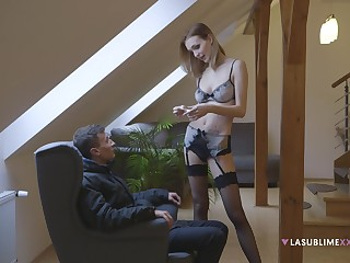 Skinny stunner acts elegant superior to before this young lad's cock