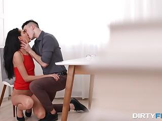 Brunette soaks her brashness in sperm after a premium BJ