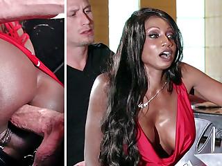 Bartender banged buzzed women ass screwing in 3some