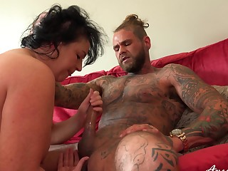Curvy ass mature handles nephew's dick equal to a pro