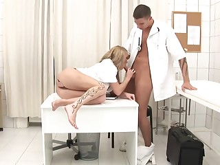 Splendid Medic Is Gonna Perpendicular Promiscuous Blond Nurse With Her Culo